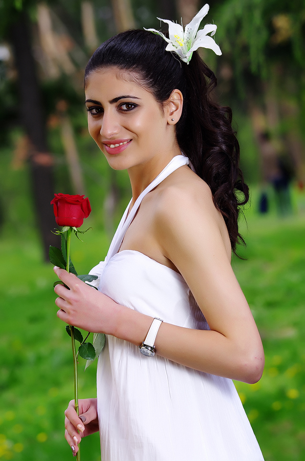 single armenian women
