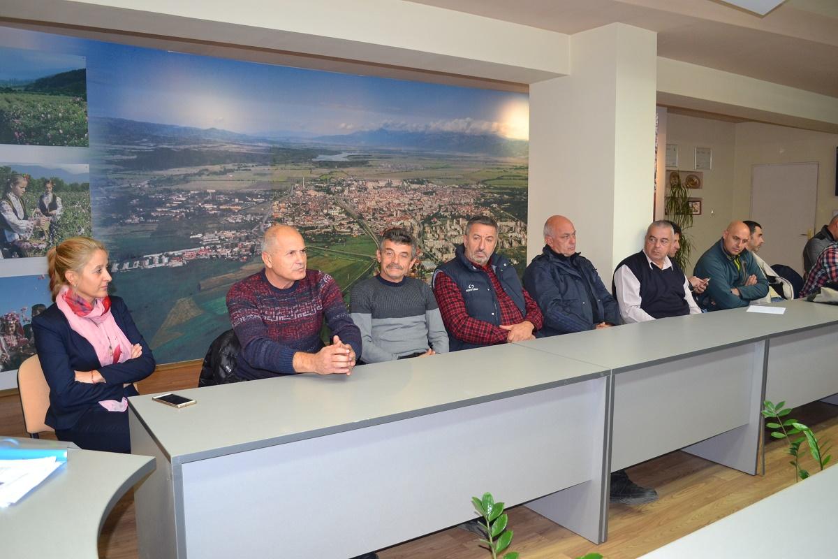 6fe76352410 Кметът на Казанлък се срещна с местните спортни клубове / Новини от Казанлък